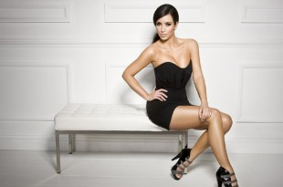 3ShoeDazzle-com-Promotional-Photoshoot-kim-kardashian-22538640-1600-1067